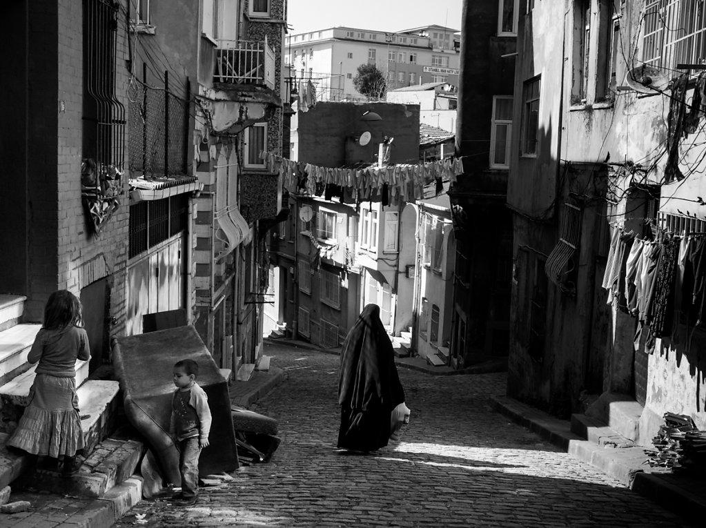 Black Burka, Balat - Istanbul
