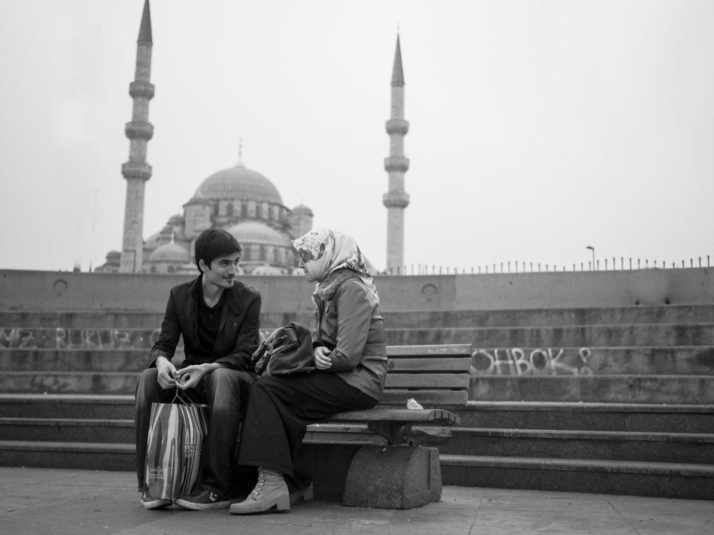 A summer romance, Galata Square / Eminönü - Istanbul