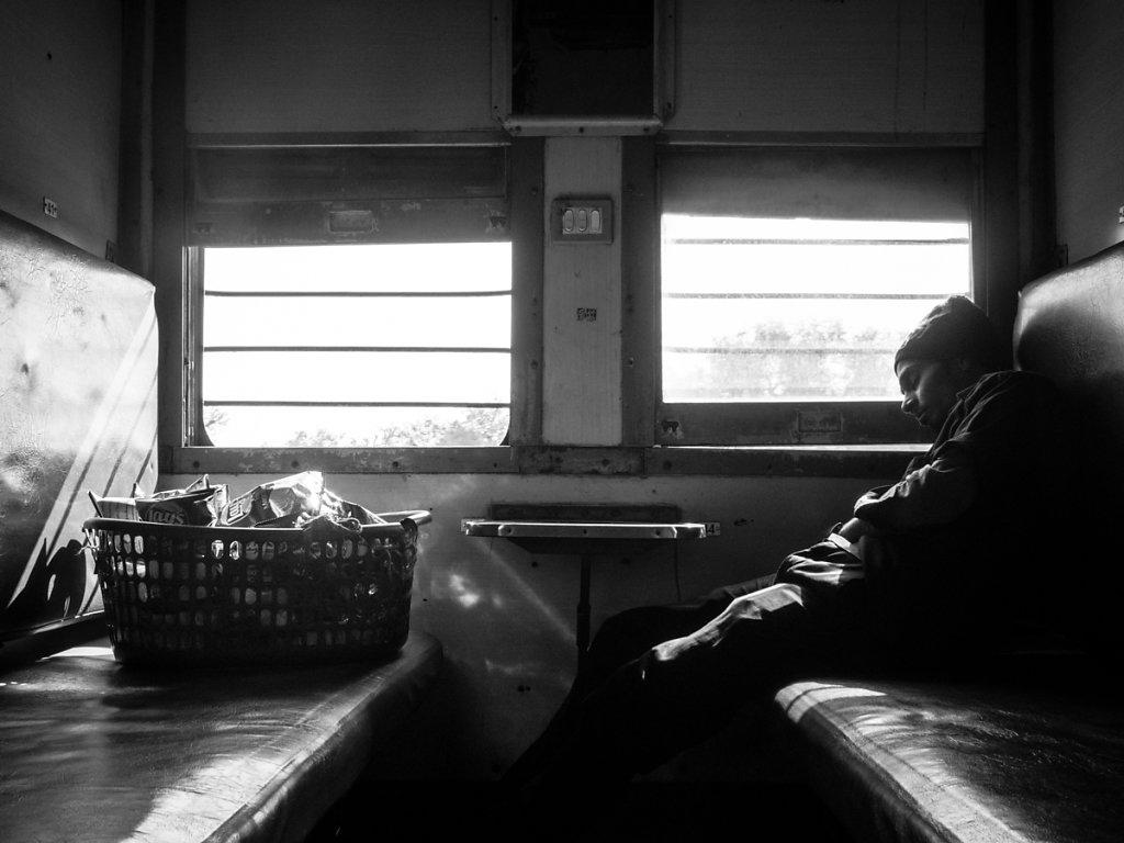 Chillaxing on a Train, Sleeper from Agra to Jodhpur